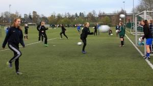 piger fodbold 17 18
